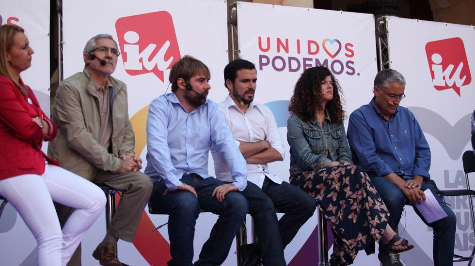 Momentos en la vida del candidato de José Carlos Fernández Sarasola.Un mitin conjunto de Podemos e IU en las elecciones del 26 de junio en Gijón
