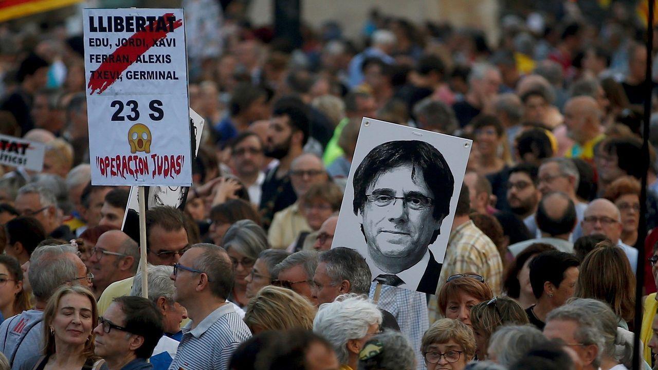«Grupos violentos coordinados» en las capitales catalanas.El presidente del Gobierno en funciones, Pedro Sánchez, este jueves en un acto en Teruel