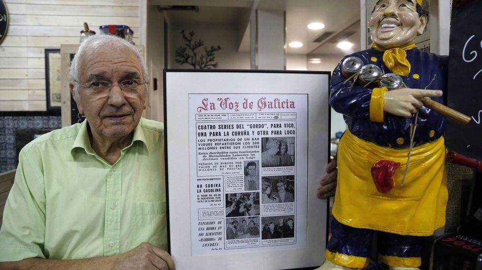 ADOLFO SILVA, DUEÑO DEL BAR COMPOSTELA QUE EN 1974 REPARTIÓ EL PREMIO GORDO DE LA LOTERÍA DE NAVIDAD