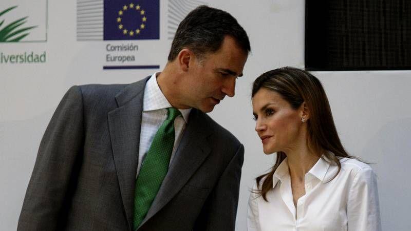 Los príncipes de Asturias en los Premios Europa de Medio Ambiente a la Empresa.Obras de preparación en el Congreso para el acto de proclamación
