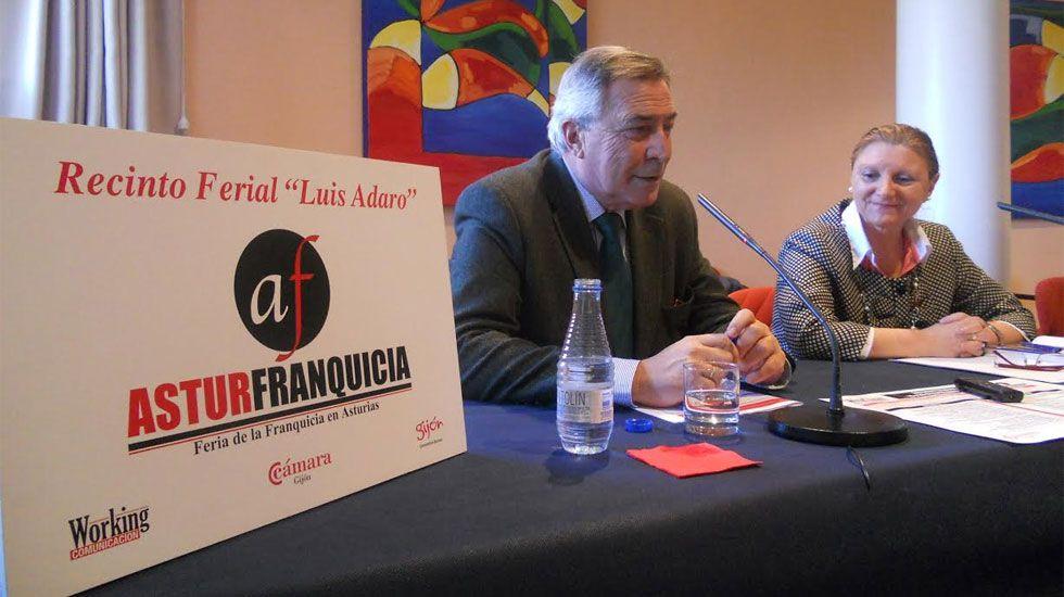 whatsapp.Álvaro Muñiz y Guadalupe Zapico, en la presentación de Asturfranquicia