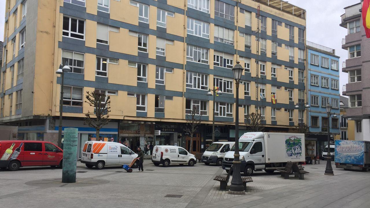 Normalidad en la Praza de Abastos de Lugo.La Praza de Armaná este mediodía en Lugo