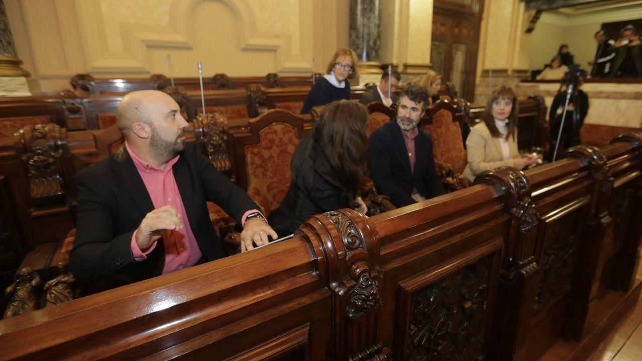 La firma del acuerdo, en imágenes.Pedro Sánchez y Pablo Iglesias, en el acto de firma del preacuerdo para formar Gobierno