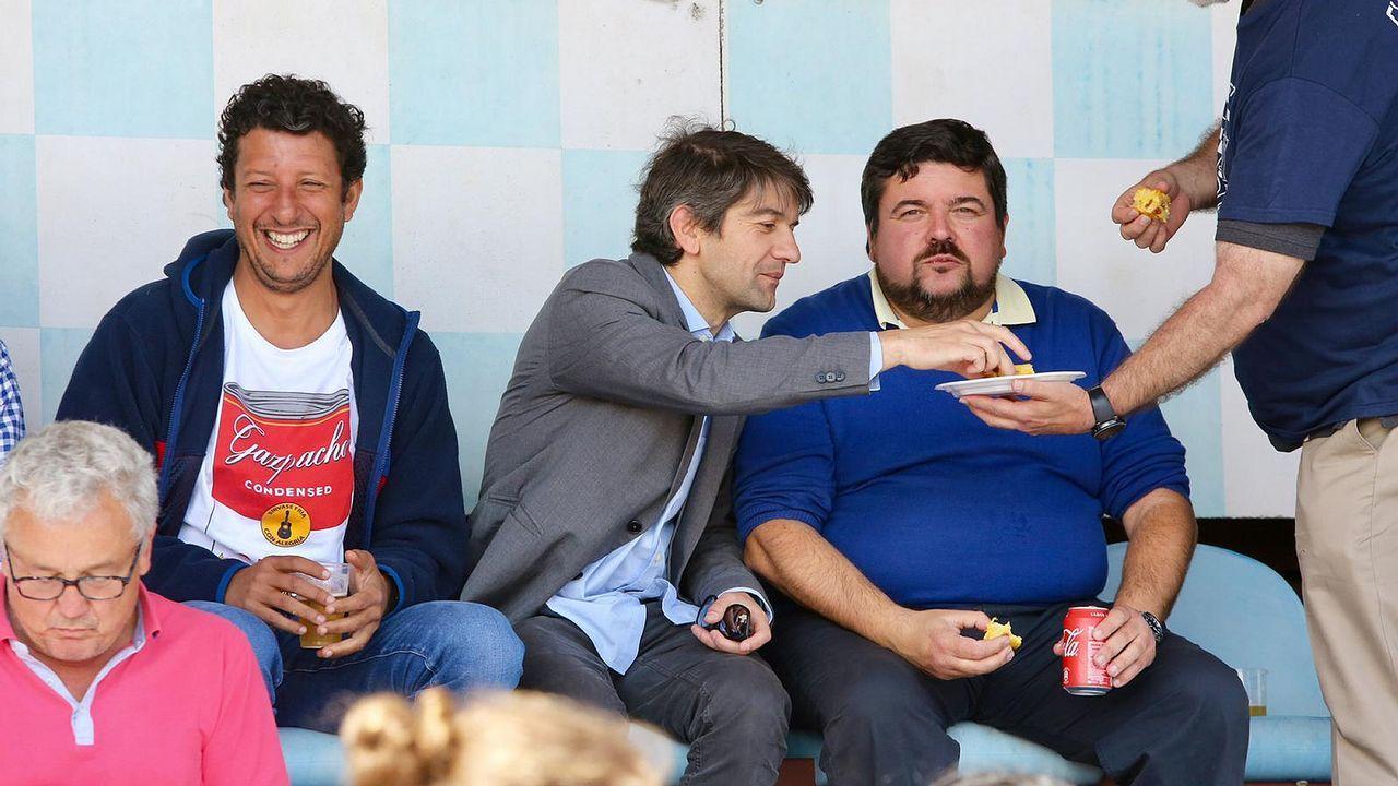 Varios candidatos a la alcaldía de Ferrol asistieron al partido del Rugby Ferrol contra el Gaztedi (Vitoria) en A Malata