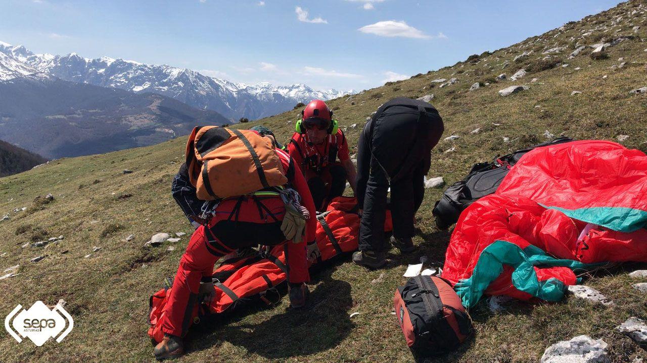 El 112 evacúa a un parapentista herido en el Gamoniteiro