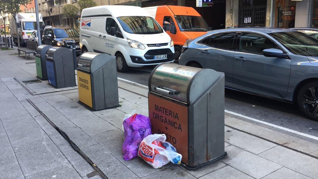 La basura mejor dentro del contenedor.Martina Aneiros, PP