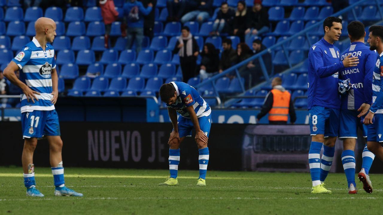 Arribas Alex Lopez Real Oviedo Extremadura Carlos Tartiere.Avión de Iberia despegando del aeropuerto de Alvedro