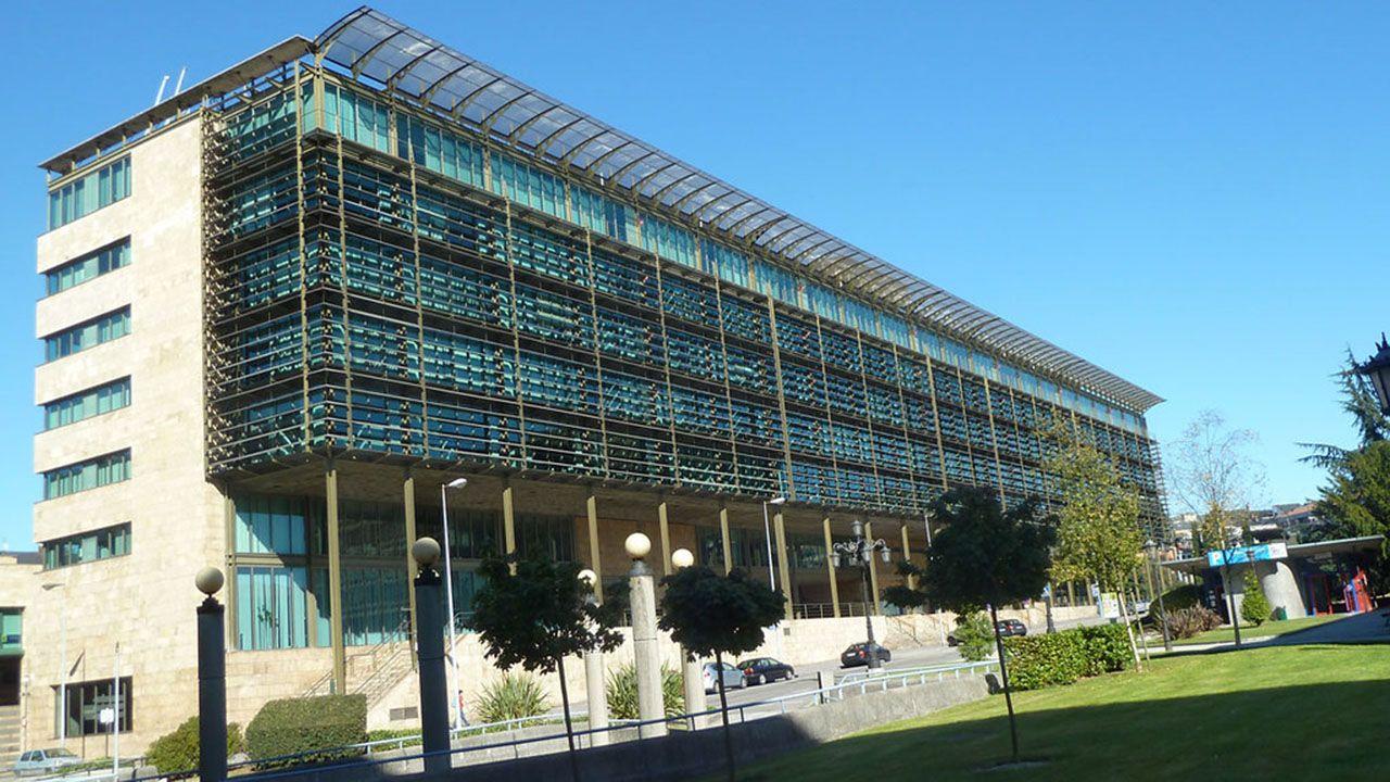 Edificio Administrativo de Servicios Múltiples (EASMU) en Oviedo