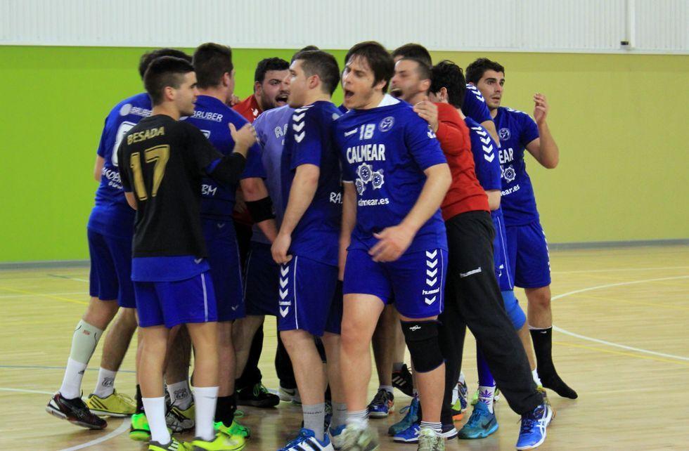 El plantel del Rasoeiro celebró la consecución del hito a falta de tres jornadas aún para el final de la Liga.