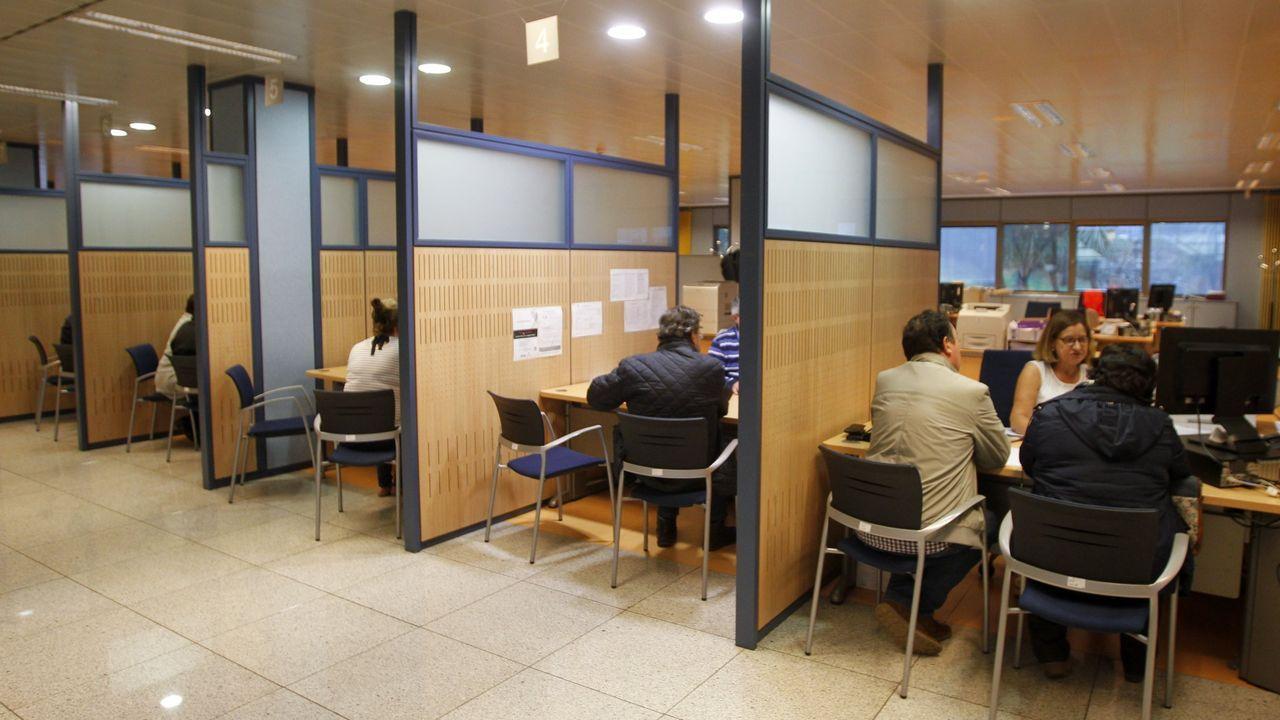 Puerta de acceso al servicio de Urgencias del Hospital de Santiago