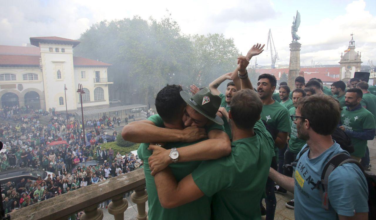 Homenaje al Racing de Ferrol por el ascenso a Segunda B
