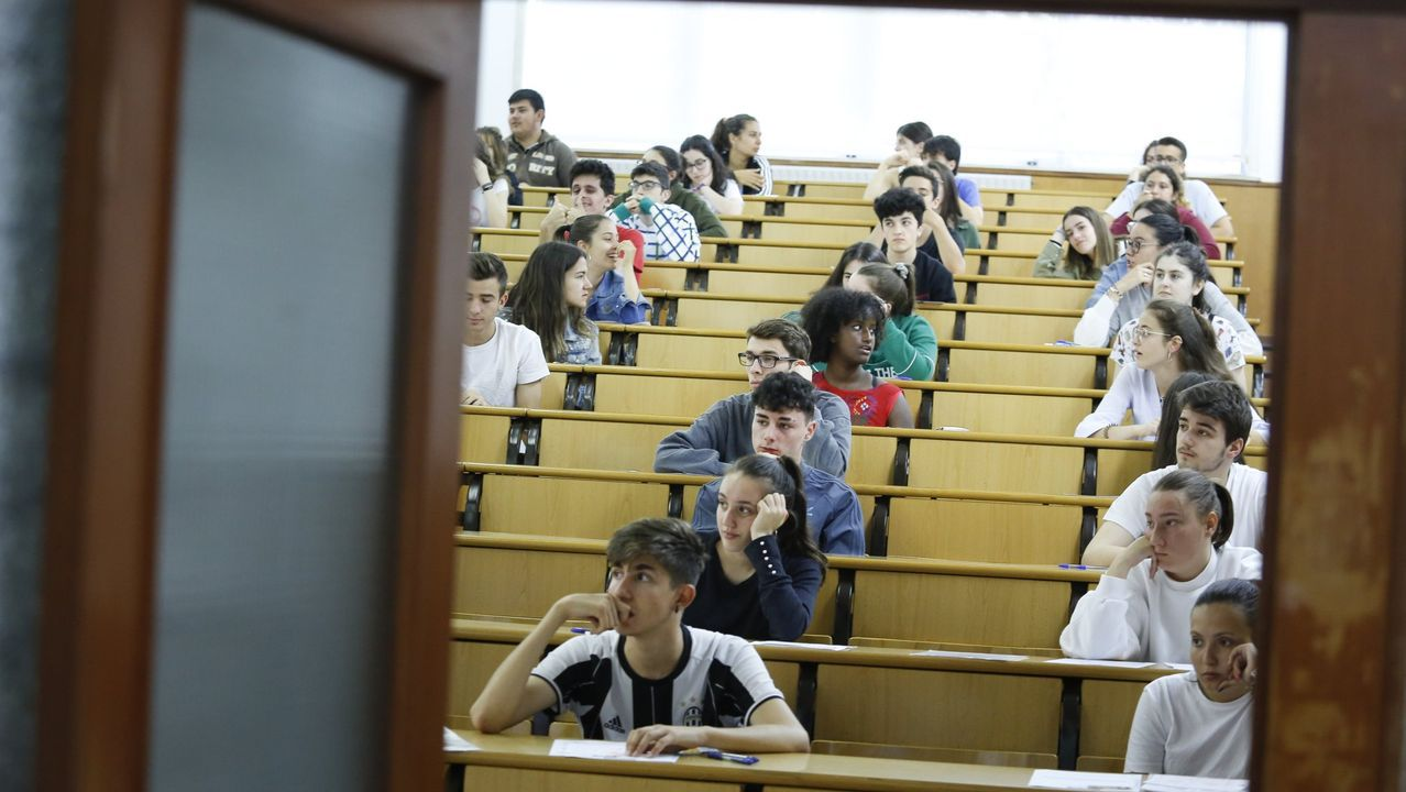En Galicia se presentan cada año unos 11.000 alumnos a la prueba ordinaria de acceso a la universidad