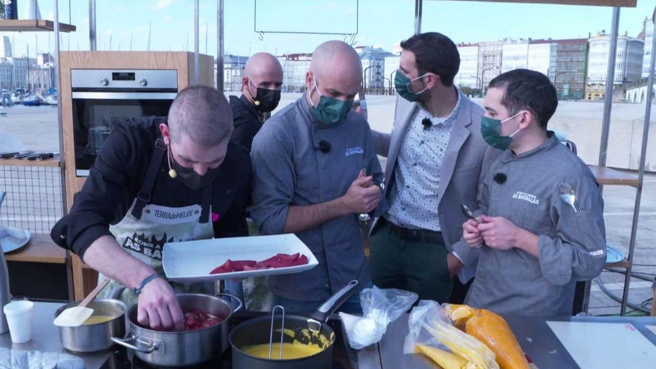 Un momento do cociñado do equipo da Terra de Melide.