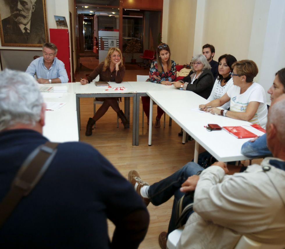 La letra pequeña de los presupuestos gallegos.La ejecutiva local acordó el miércoles pedir el aplazamiento.