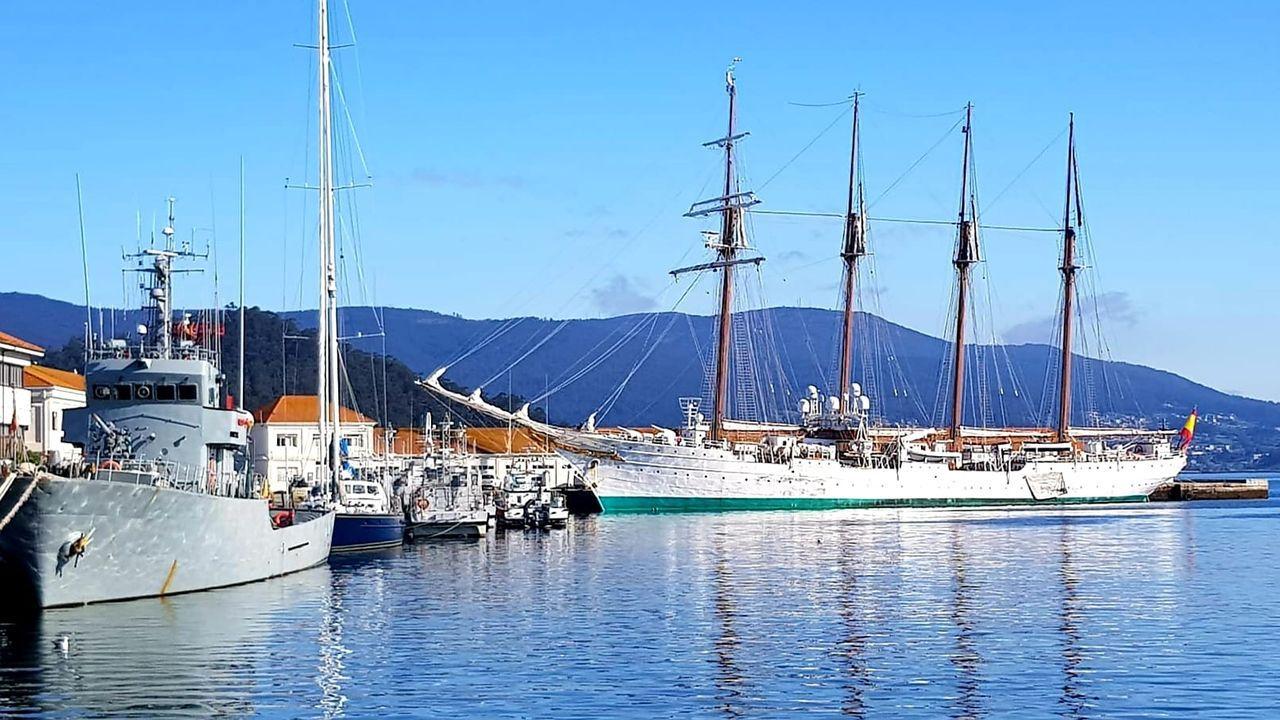 Toma de mando del coronel Sanz Alisedo al frente del Tercio Norte en Ferrol.El buque partirá casi de inmediato rumbo a Cádiz, donde tiene su base