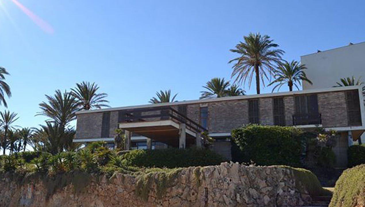 El chalet del ministro franquista Mariano Navarro en la costa de Jávea (Alicante), construido a principios de los año 60 del siglo pasado y actualmente bastante deteriorado
