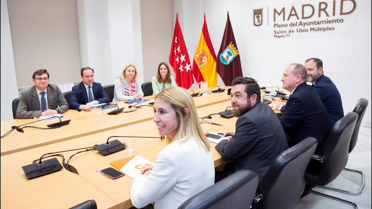 Representantes de Ciudadanos y el PP en la reunión que mantuvieron para negociar los apoyos en el ayuntamiento y la comunidad de Madrid