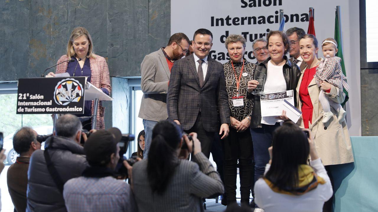 De izquierda a derecha, Fabio González, Iria Otero, Elisabet Castro y Laura Lorenzo