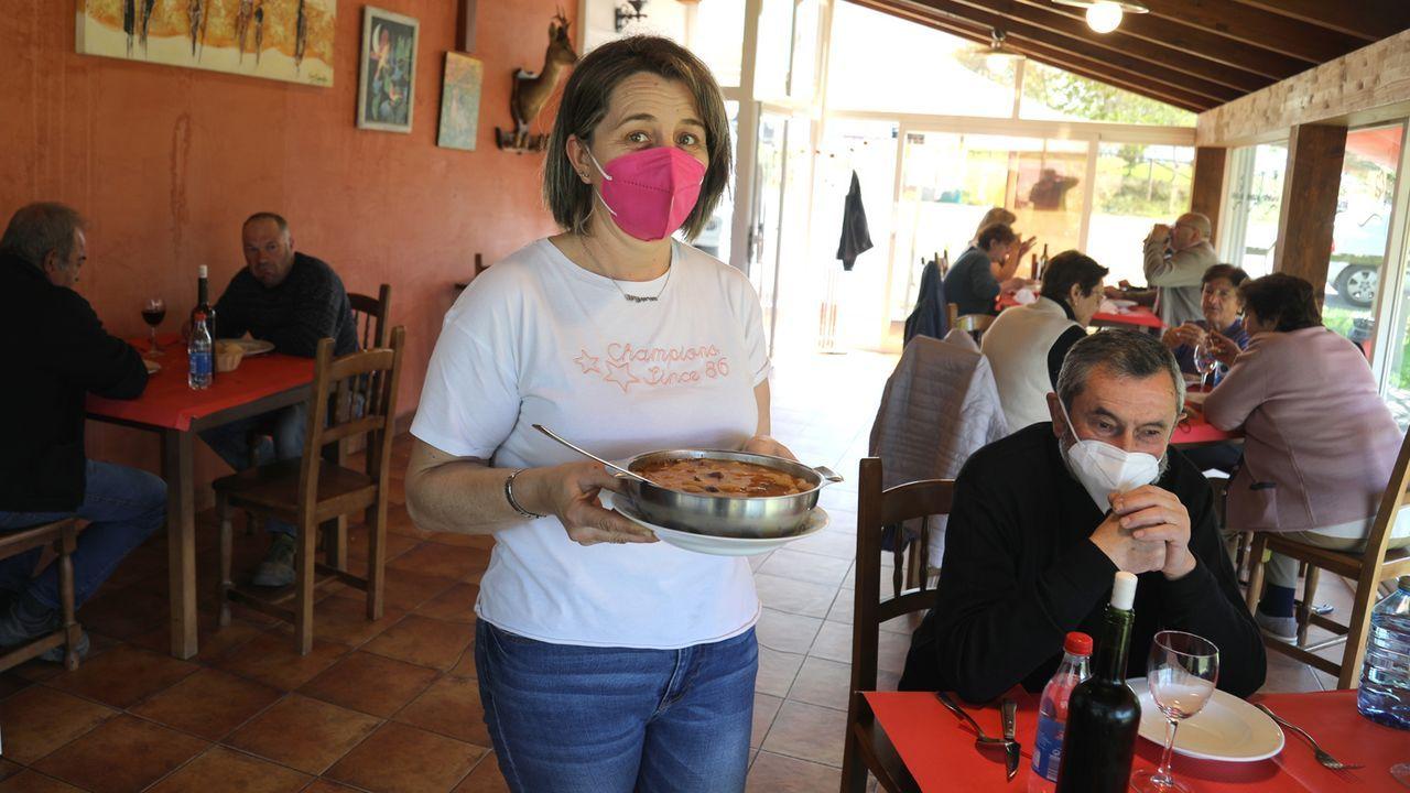 Así es el cámping de A Fonsagrada.Patricia Pérez tiene el último restaurante en suelo asturiano que hay antes de entrar en Galicia