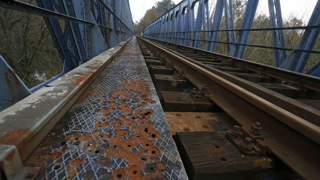Puente sobre el río Tea, en la línea del Miño