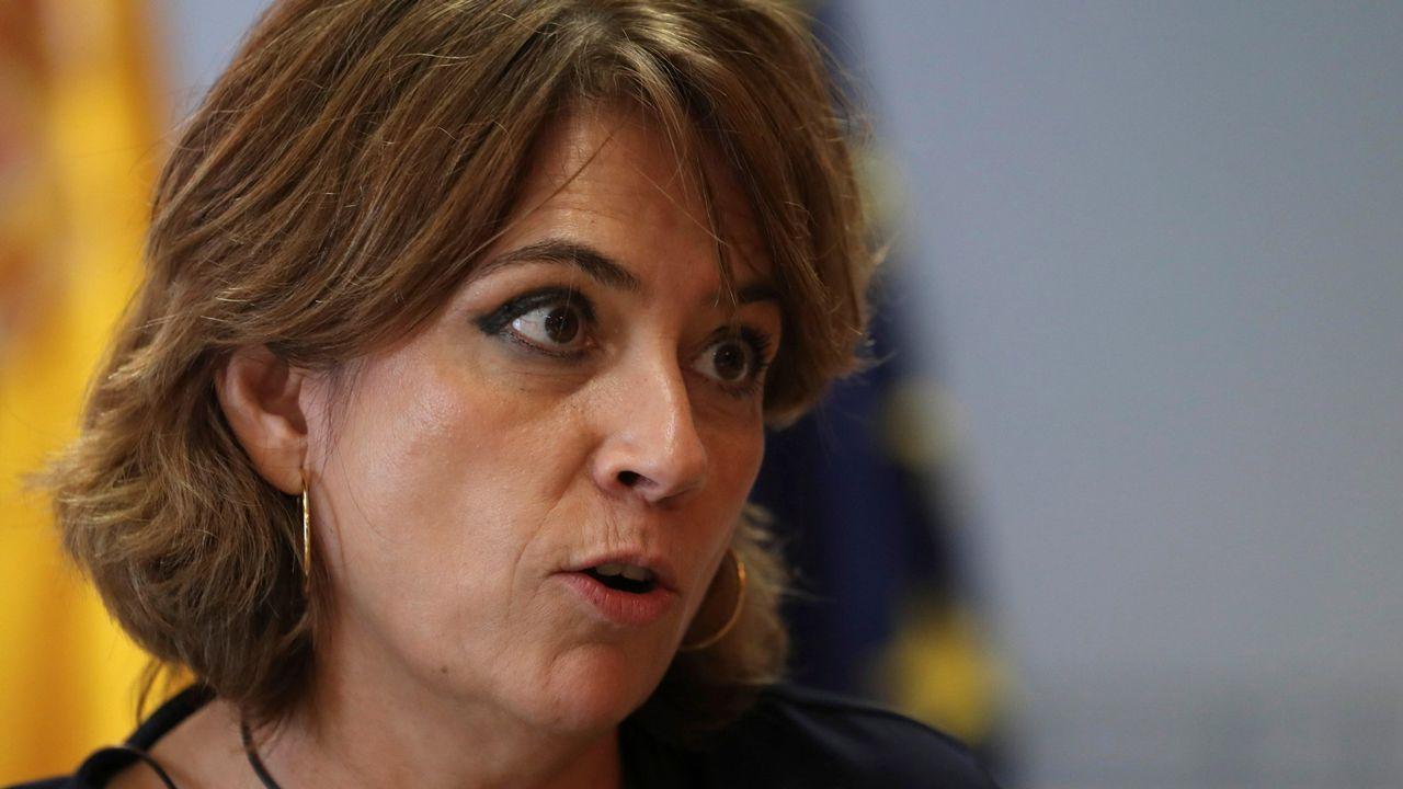 Carmen <span lang= gl >Montón</span>: «No he cometido ninguna irregularidad y considero que dimitir sería injusto».Mensajes en asturiano en Ikea