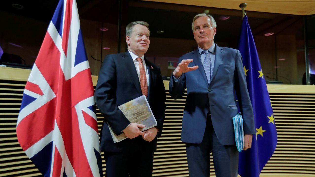El negociador británico, David Frost, junto al comunitario, en francés Michel Barnier, durante una reunión en marzo en Bruselas