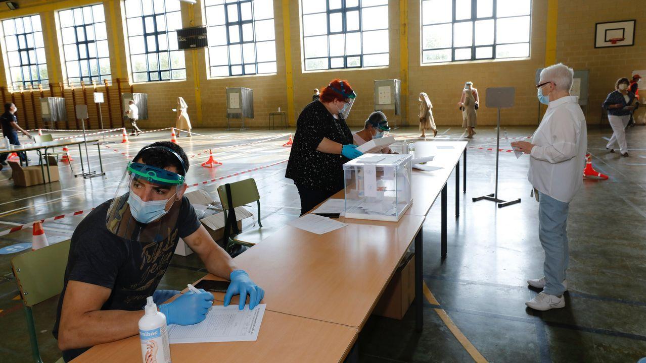 Votación en Burela