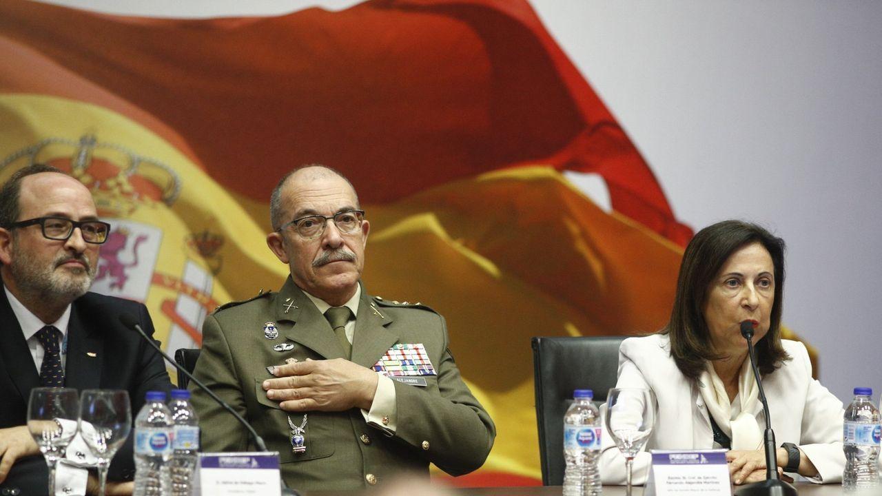 El general Fernando Alejandre con la ministra de Defensa, Margarita Robles, en un acto en mayo del 2019