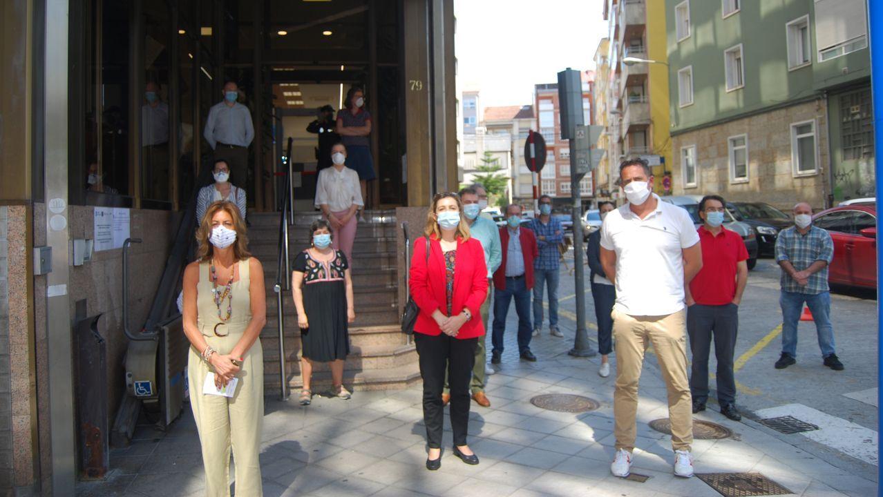 El personal del edificio administrativo de la Xunta en Ourense realizó el minuto de silencio