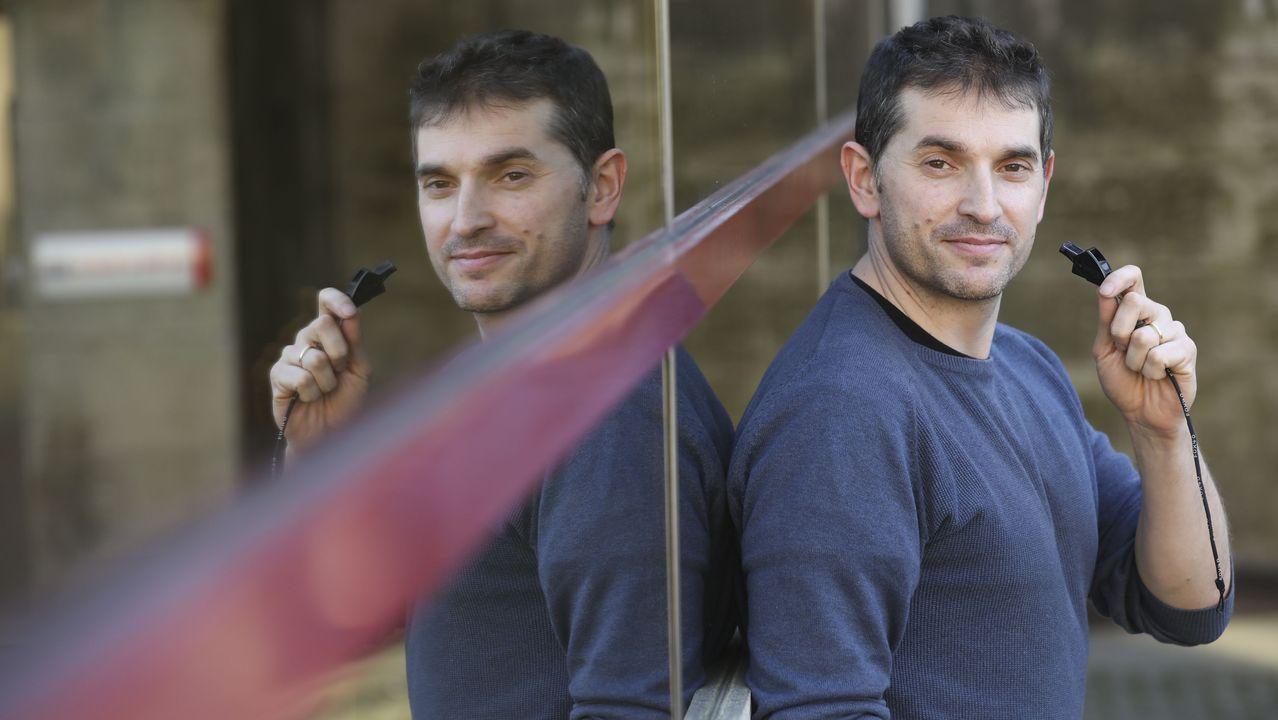 Comparsas en Chantada y Sober.Puesto de una de las bodegas que participaron en la tercera edición del festival