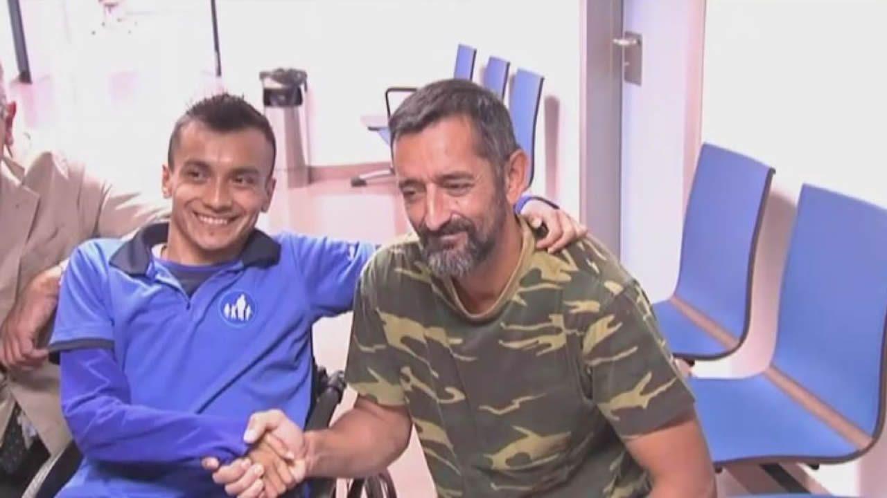 El doctor Cavadas devuelve la sonrisa a un joven guatemalteco que estaba «partido en dos».Conchita Quirós