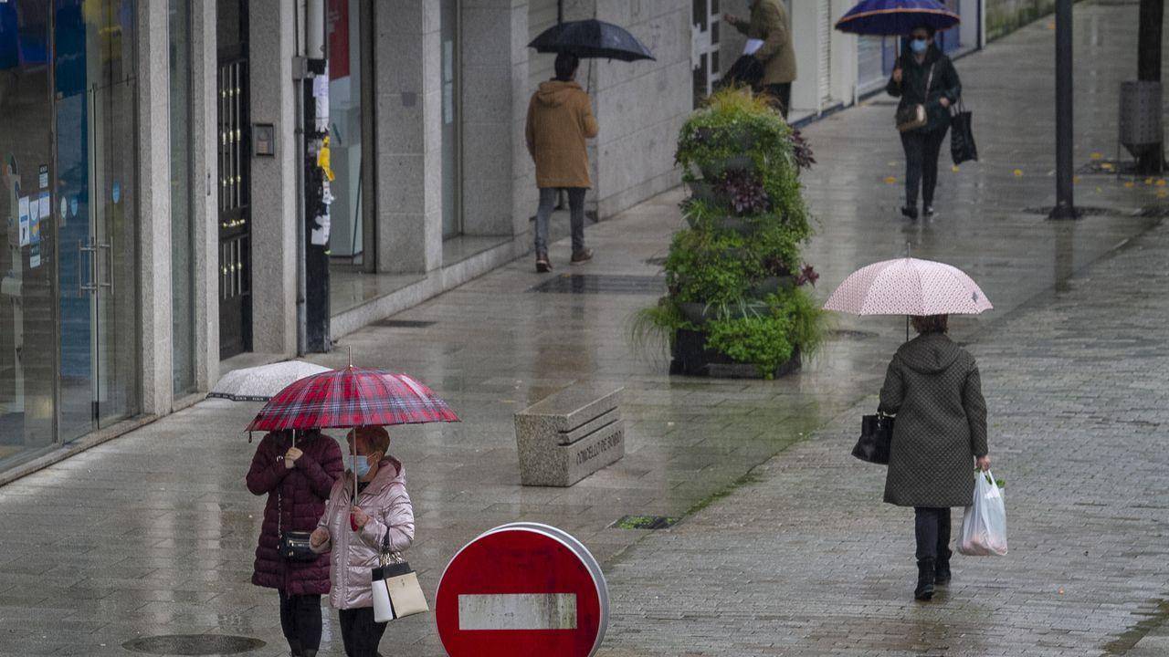 Entre las restricciones y las lluvias, las calles boirenses están prácticamente desiertas