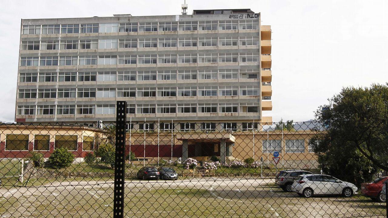 xaz.El alcalde asistió al inicio de la demolición y dijo que así se soluciona «un error histórico»