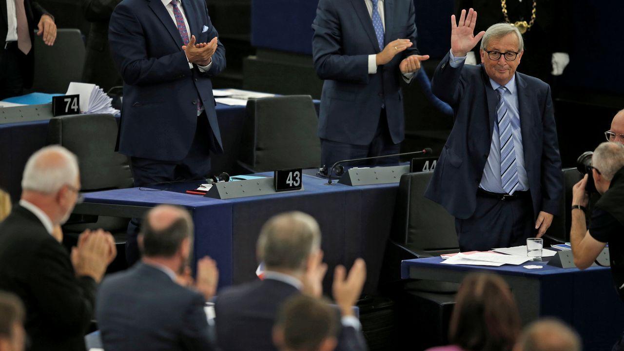 Juncker fue aplaudido tras finalizar su último discurso como presidente de la Comisión Europea en la Eurocamara