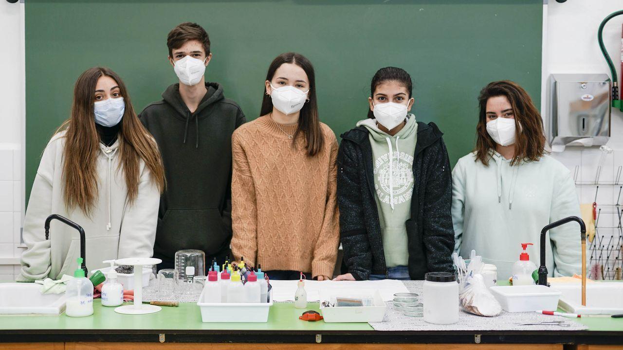 Los cinco alumnos del IES Otero Pedrayo que fueron a la fase autonómica de la Olimpiada de Biología