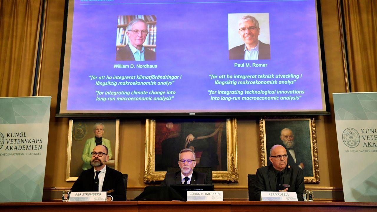 Recuerdos fotográficos de Severo Ochoa.Os tres premiados co Nobel de Física no 2018, o estadounidense Arthur Ashkin, o francés Gerard Mourou e a canadense Donna Strickland2018