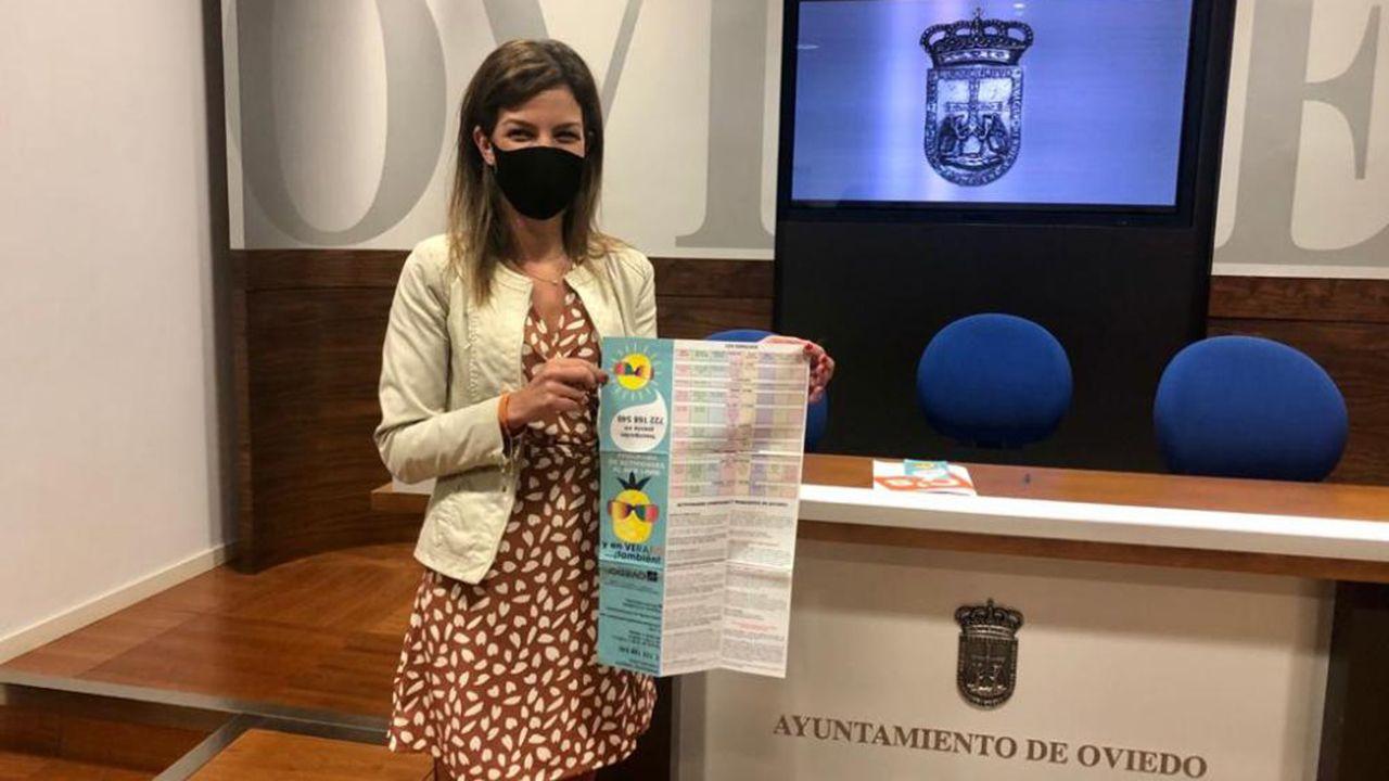 Asturias, de hórreos en hórreo.La concejala de  Centros sociales, Lourdes García