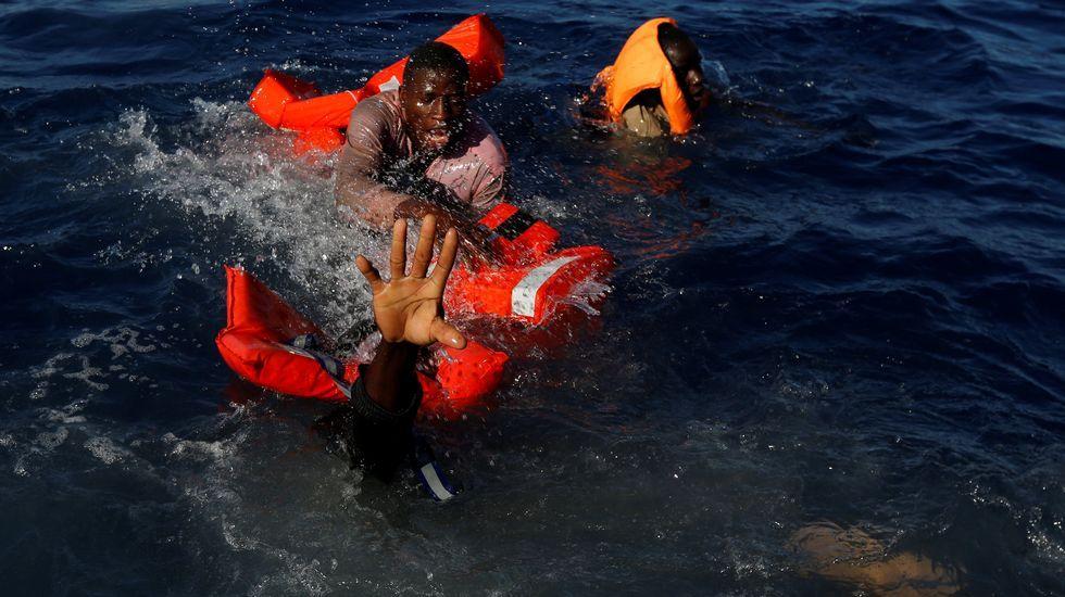 Rescatan a un inmigrante oculto en un tubo de hierro de 40 centímetros de ancho.«La Libertad guiando al pueblo», cuadro de Eugène Delacroix, alegórico de los sucesos revolucionarios de julio de 1830 en París (Museo del Louvre)