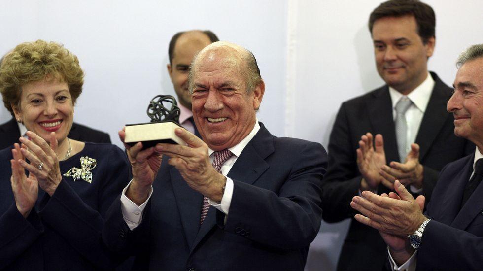 Antonio Suárez recibe el premio