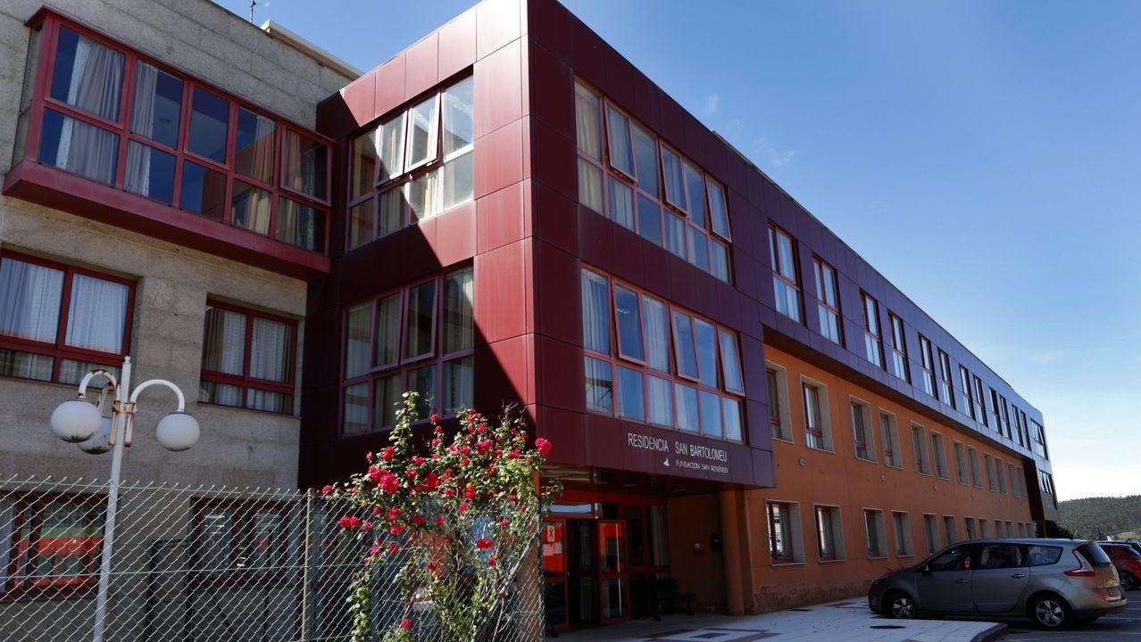 Veinticinco contagiados notifica este domingo el Sergas en apartamentos tutelados y en la residencia San Bartolomeu de Xove, en una foto de archivo
