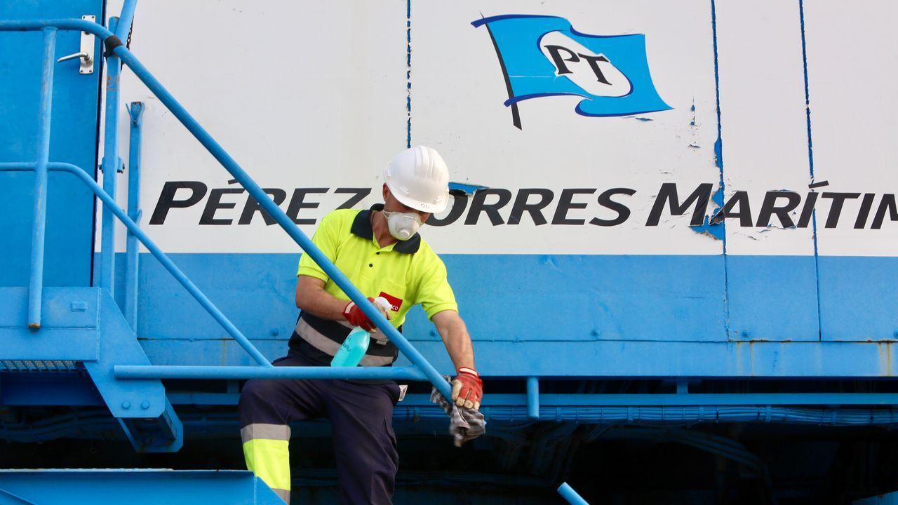 Así ha sido la vuelta al trabajo de la construcción en Galicia.Navantia fabrica en Ferrol dos buques logísticos para Australia. En la imagen, de archivo, en la botadura del segundo