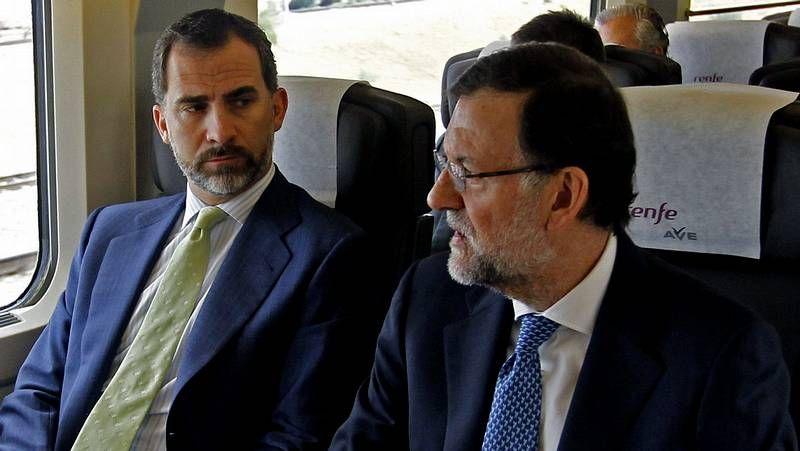 Pitos y protestas para recibir al Príncipe y a Rajoy