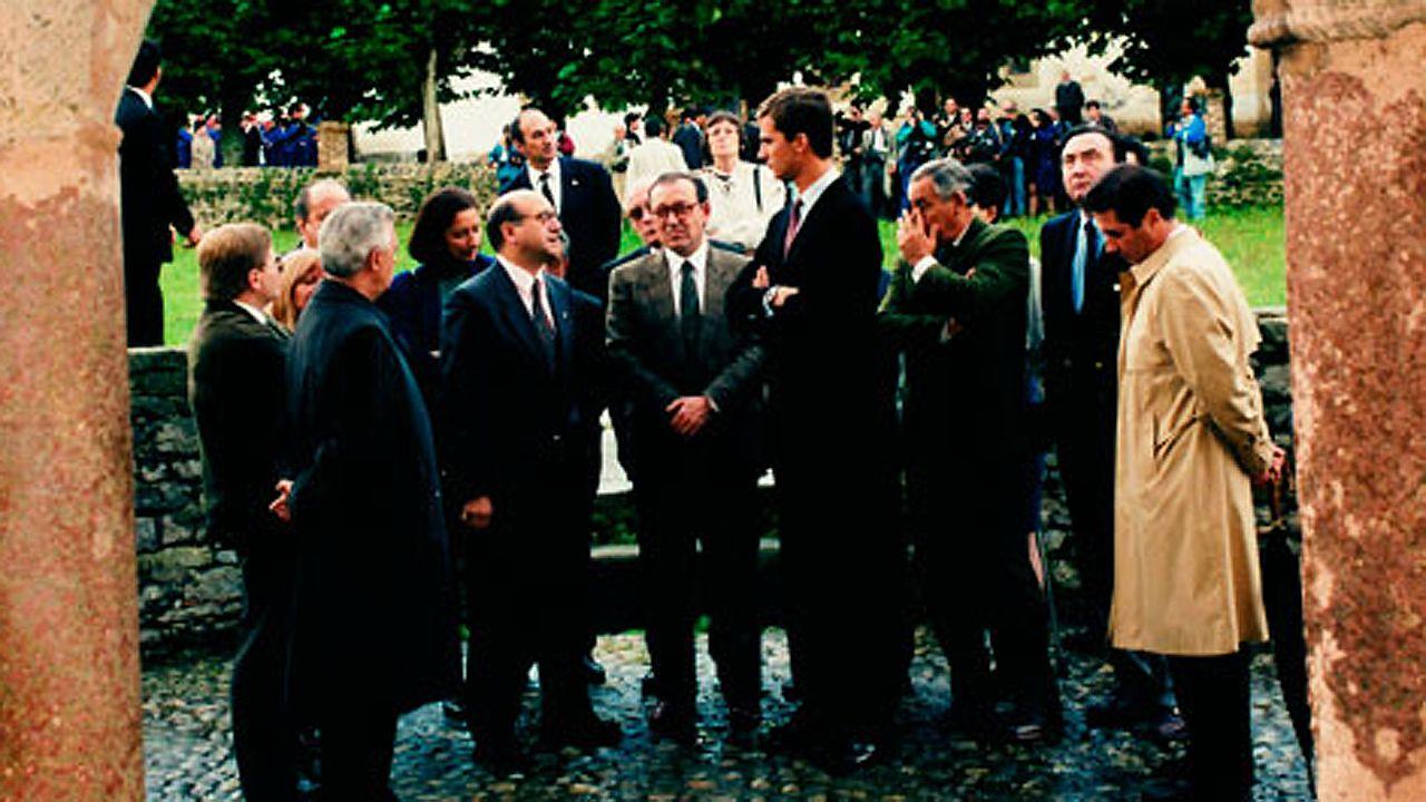 El álbum de fotos de Jácome en el Foro La Toja.El alcalde de Ourense, Gonzalo Pérez Jácome, con el rey de España, Felipe VI