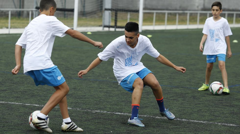 Dioni celebra un gol con el Real Oviedo