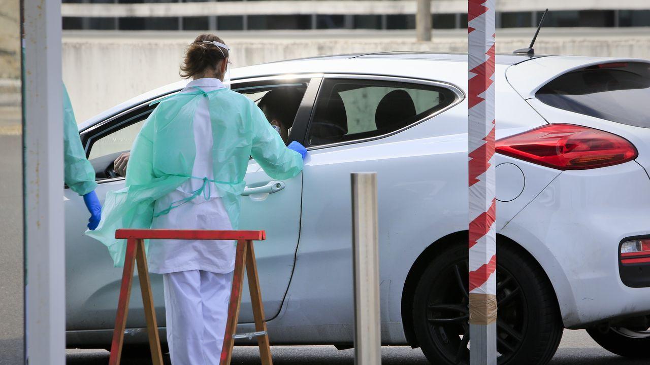 Feria en Verín tras dos meses.Test de detebnción rapida del coronavirus en la entrada del HULA