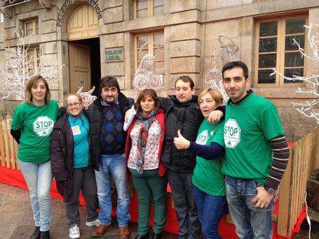 Isabel Valldecabres denuncia el acoso a la ex ministra socialista Bibiana Aído.La plataforma respaldó a la pareja