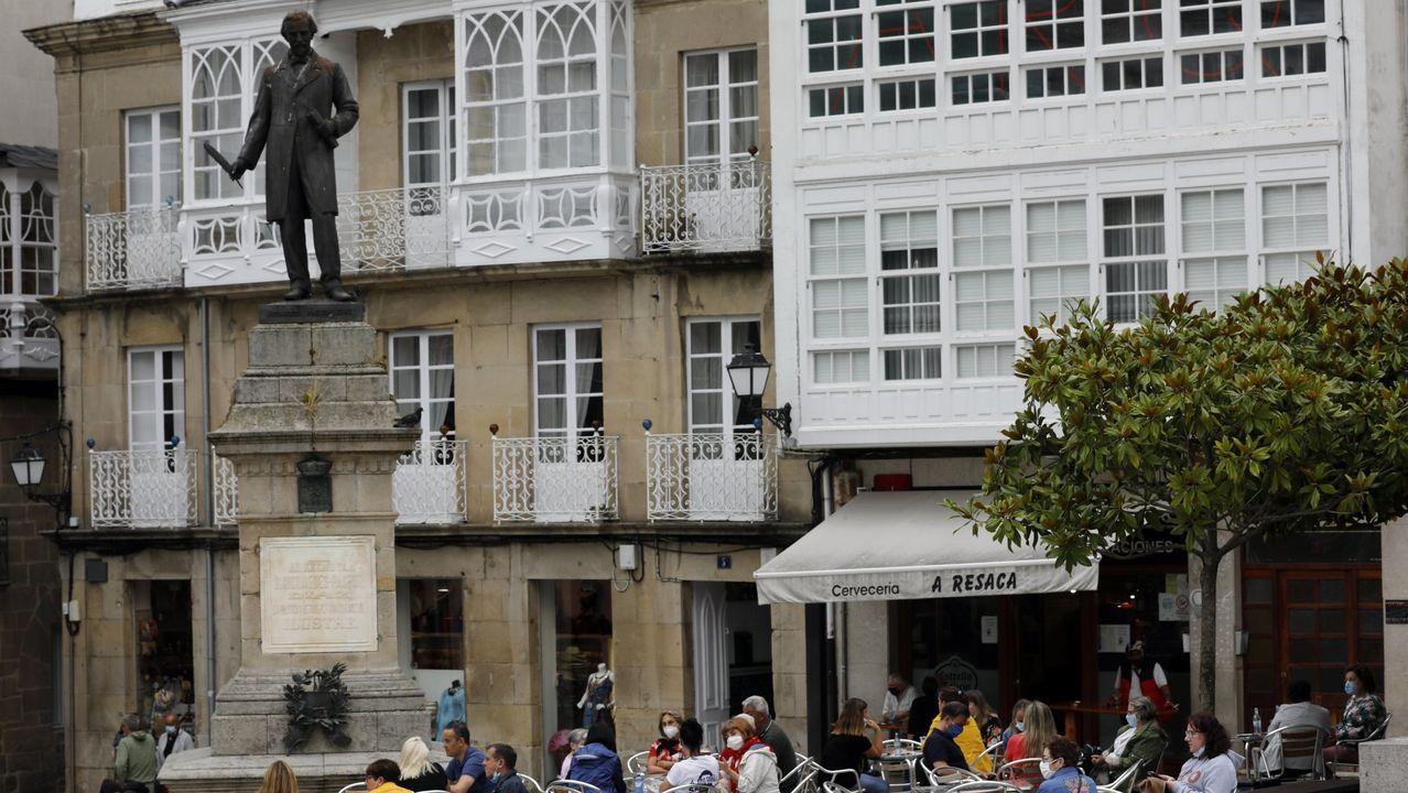 Imagen de archivo de la Praza Maior de Viveiro, adonde los vehículos solo podrán acceder con autorización, cuando se apruebe la ordenanza de tráfico