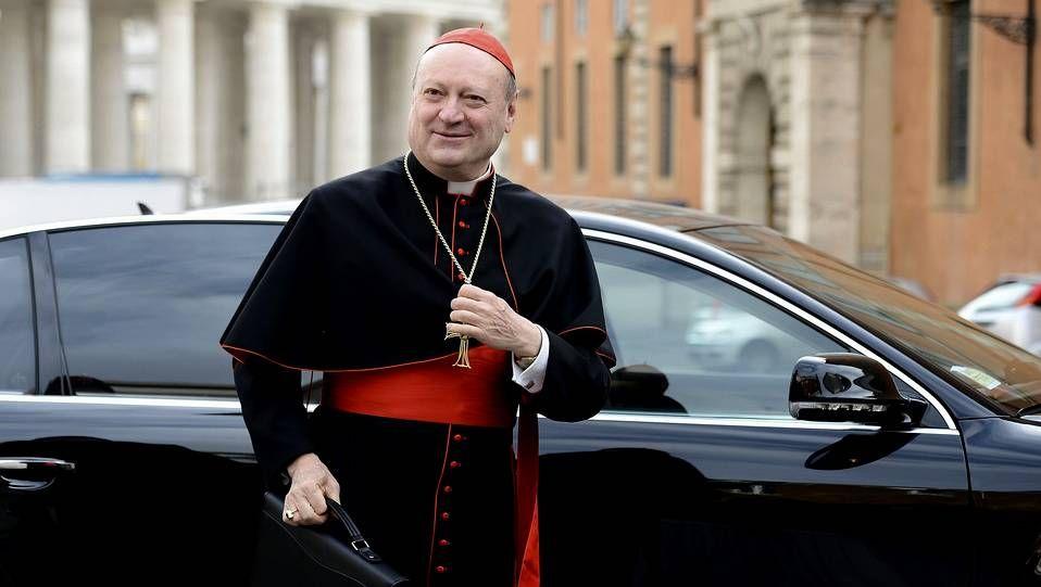 En directo desde la plaza de San Pedro en el Vaticano.Gianfranco Ravasi
