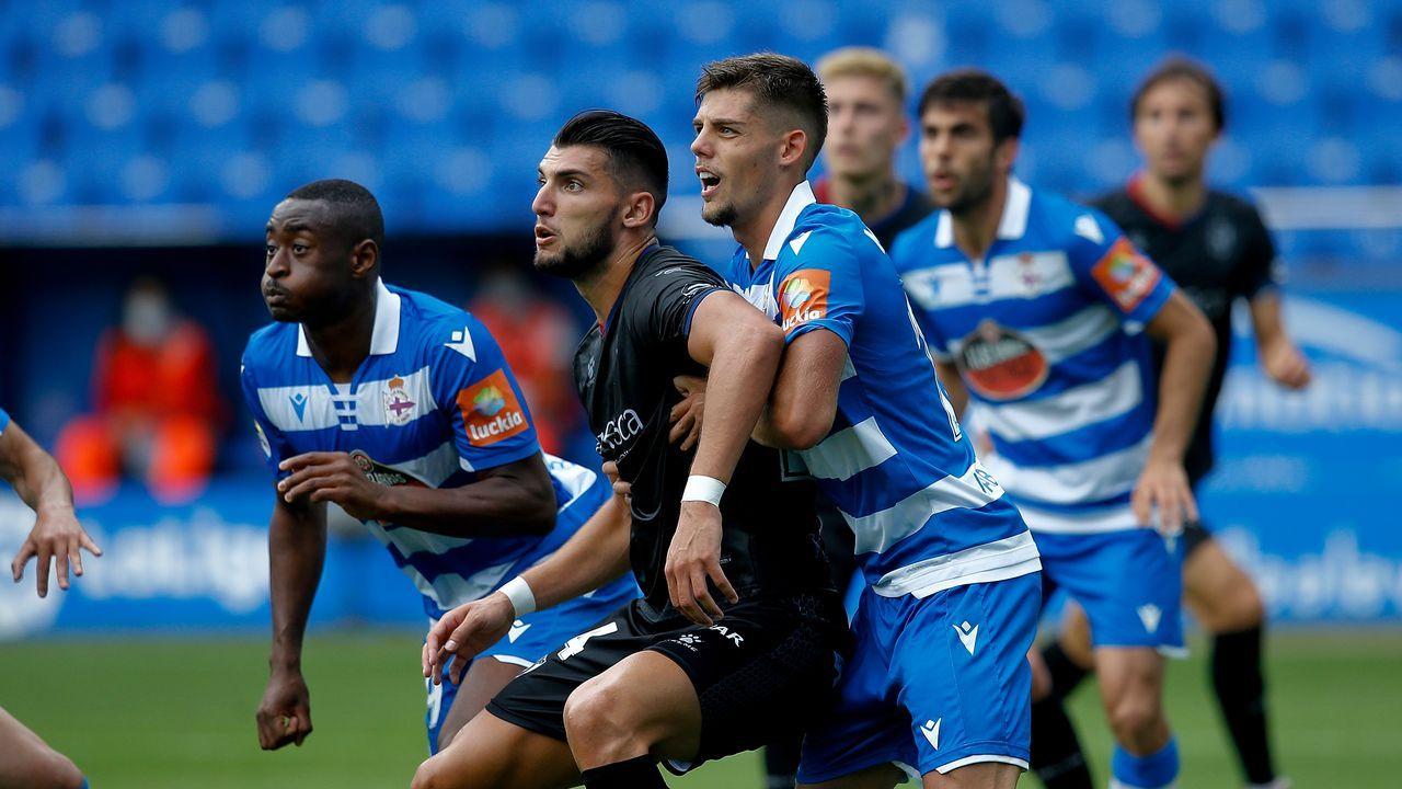 Mossa Real Oviedo Extremadura Carlos Tartiere.Mossa, tras una ocasión frente al Extremadura