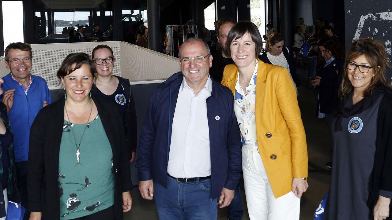 Pontón, junto a Ana Miranda, candidata a las europeas, y el miembros del Bloque de Barbanza